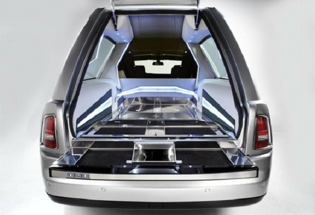 RollsRoyce_Phantom_Hearse_B12_02