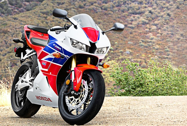 2013-Honda-CBR600RR-Super-Sports-Motorcycle